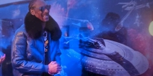 Snoop Dogg Has Star Wars vs. Star Trek Mural in His Home