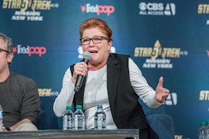 Kate Mulgrew's Kathryn Janeway honored in hometown